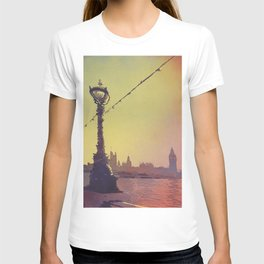 Big Ben of Houses of Parliament silhouetted- London T-shirt