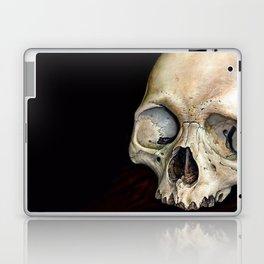 moldy tan skull Laptop & iPad Skin