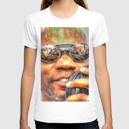 GREEN VELVET - CAMERAS READY..... T-shirt