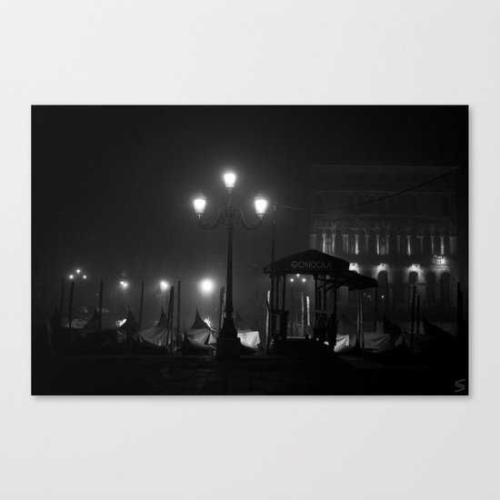 Spot of light in the darkness Canvas Print