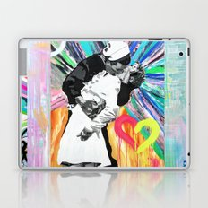 Kiss - Time Square Kiss Laptop & iPad Skin