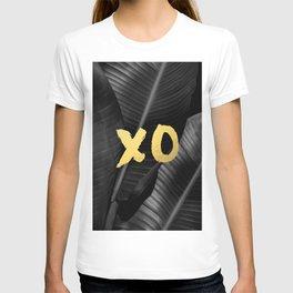 XO gold - bw banana leaf T-shirt