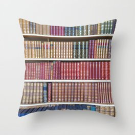 How Bookish are you? Throw Pillow