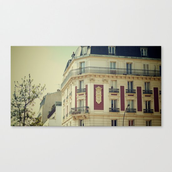 La Parisienne Canvas Print