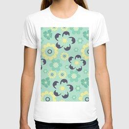 Blue pattern flower T-shirt