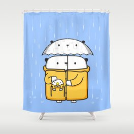 Opi y Kipi en la lluvia Shower Curtain