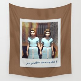 Les jumelles gourmandes ! Wall Tapestry