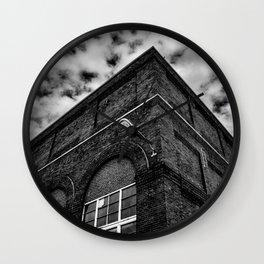 Looming Point Wall Clock