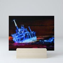 shipwreck aqrestdi Mini Art Print