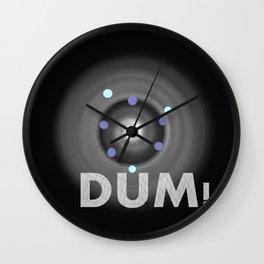 Dum! la onomatopeya del sonido del bajo en el altavoz para bailar Wall Clock