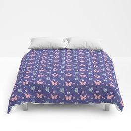 lavanda butterflies Comforters