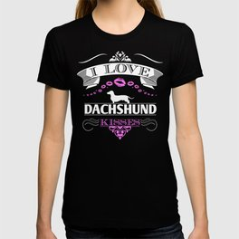 Funny Dachshund I Love Dachshund Kisses Pink T-shirt