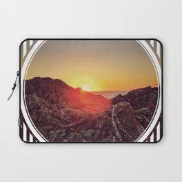 Peel Sunset  - line/circle graphic Laptop Sleeve