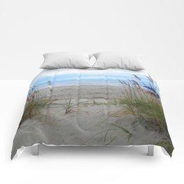 Beach Dreams: Sea Oats by the ocean Comforters
