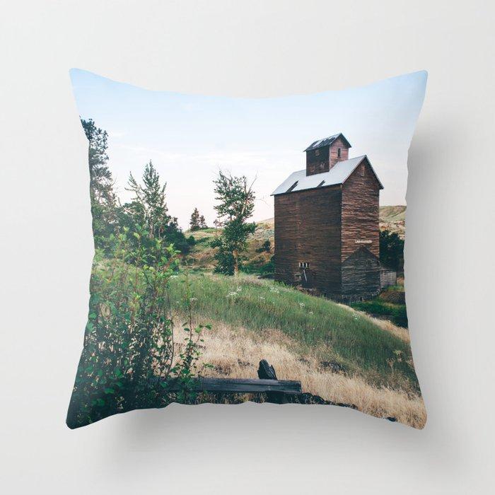 Wooden Grain Silo in Boyd, Oregon Throw Pillow