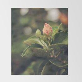 Capullo de Hibisco - Hibiscus bud Throw Blanket