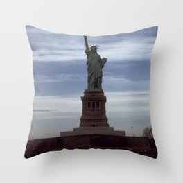 Statue of Liberty Photograph - 6 Throw Pillow