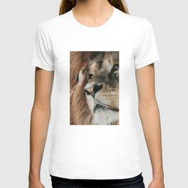 African lion portrait T-shirt