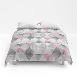 GRAPHIC PATTERN Sparkling triangles | silver & pink Comforters