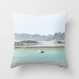 Walking on the shore Throw Pillow