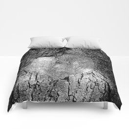 Natural Heart Shape in Tree Bark Black and White Comforters