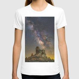 Milky Way over Trona Pinnacles T-shirt