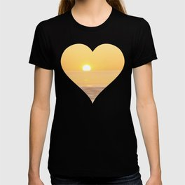 Peachy sunrise seascape T-shirt