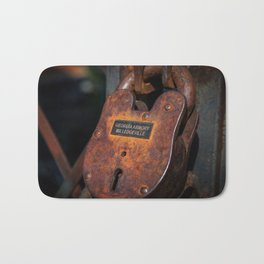 Rusty Lock Bath Mat