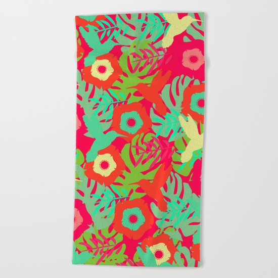 Tropical pattern with hummingbirds Beach Towel