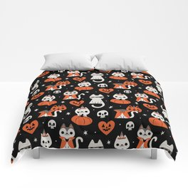 Halloween Kitties (Black) Comforters