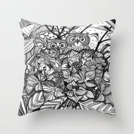HORTENSIA WILDERNESS Throw Pillow