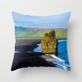 reynisfjara beach Throw Pillow