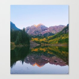 Sunrise at Maroon Bells Canvas Print
