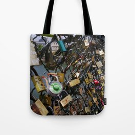 Love padlocks on Pont des Arts, Paris Tote Bag