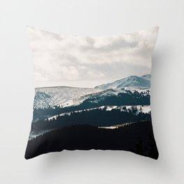 Natures curves Throw Pillow