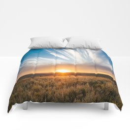 Grand Exit - Golden Sunset on the Oklahoma Prairie Comforters