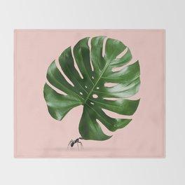 MONSTERA ANT Throw Blanket