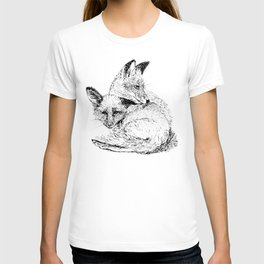 Foxes napping T-shirt