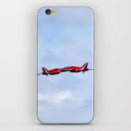 The Red Arrows synchro pair iPhone Skin