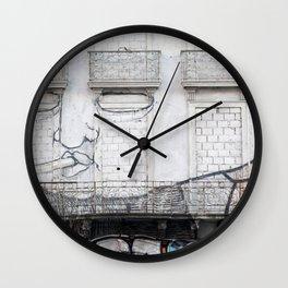 The facade's face, graffiti Wall Clock