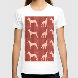 Red wooden board with dobermans shapes T-shirt