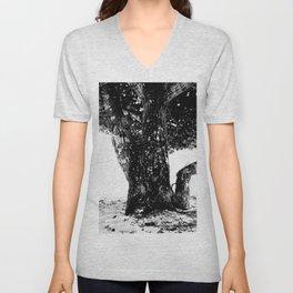 Big tree Unisex V-Neck