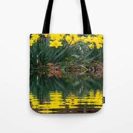 PUCE & YELLOW DAFFODILS WATER REFLECTION PATTERN Tote Bag
