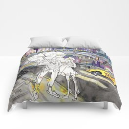 Kissing in New York City Comforters