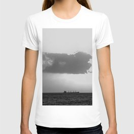 Evening clouds over the sea T-shirt