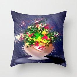 Ton und Blumen. Stilleben. Throw Pillow