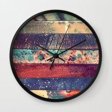 DESCONCIERTO Wall Clock