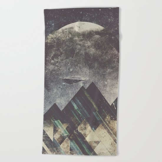 Sweet dreams mountain Beach Towel