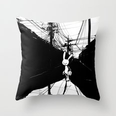 minima - beta bunny / noir Throw Pillow