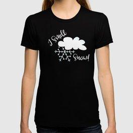 Winter I Smell Snow Love Snow Days T-shirt